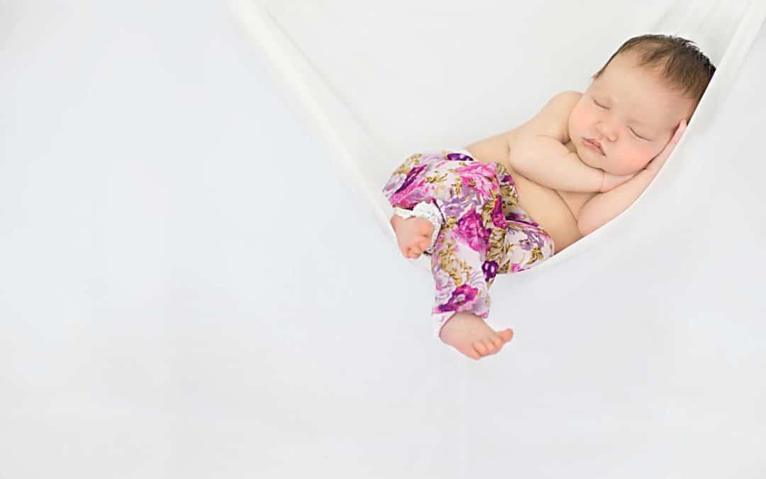 5 steps to a safe newborn session : Newborn Photographer Saftey